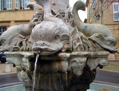 Fontaine des Quatre Dauphins -3